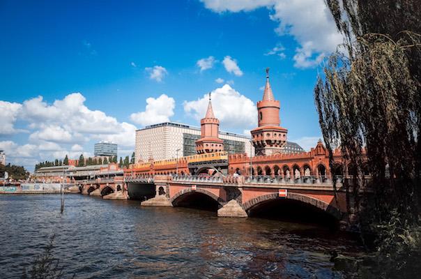 Bilder der Oberbaumbrücke in Berlin